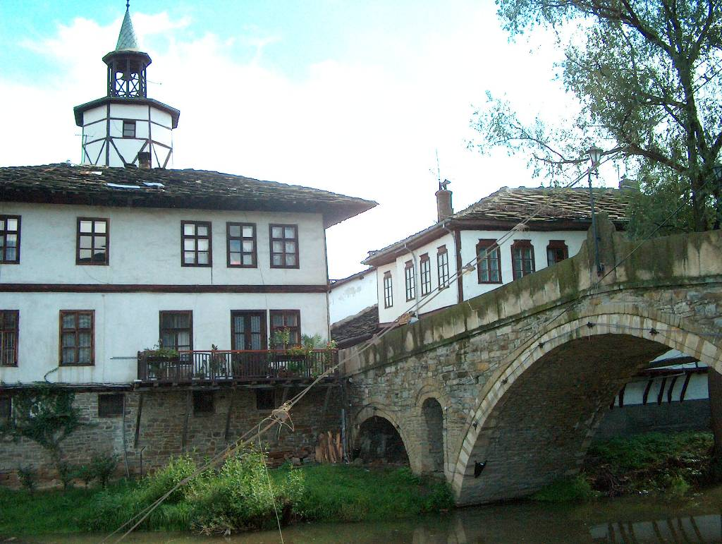 tryavna_bridge_tower.jpg